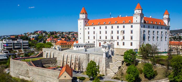 Замък Братислава